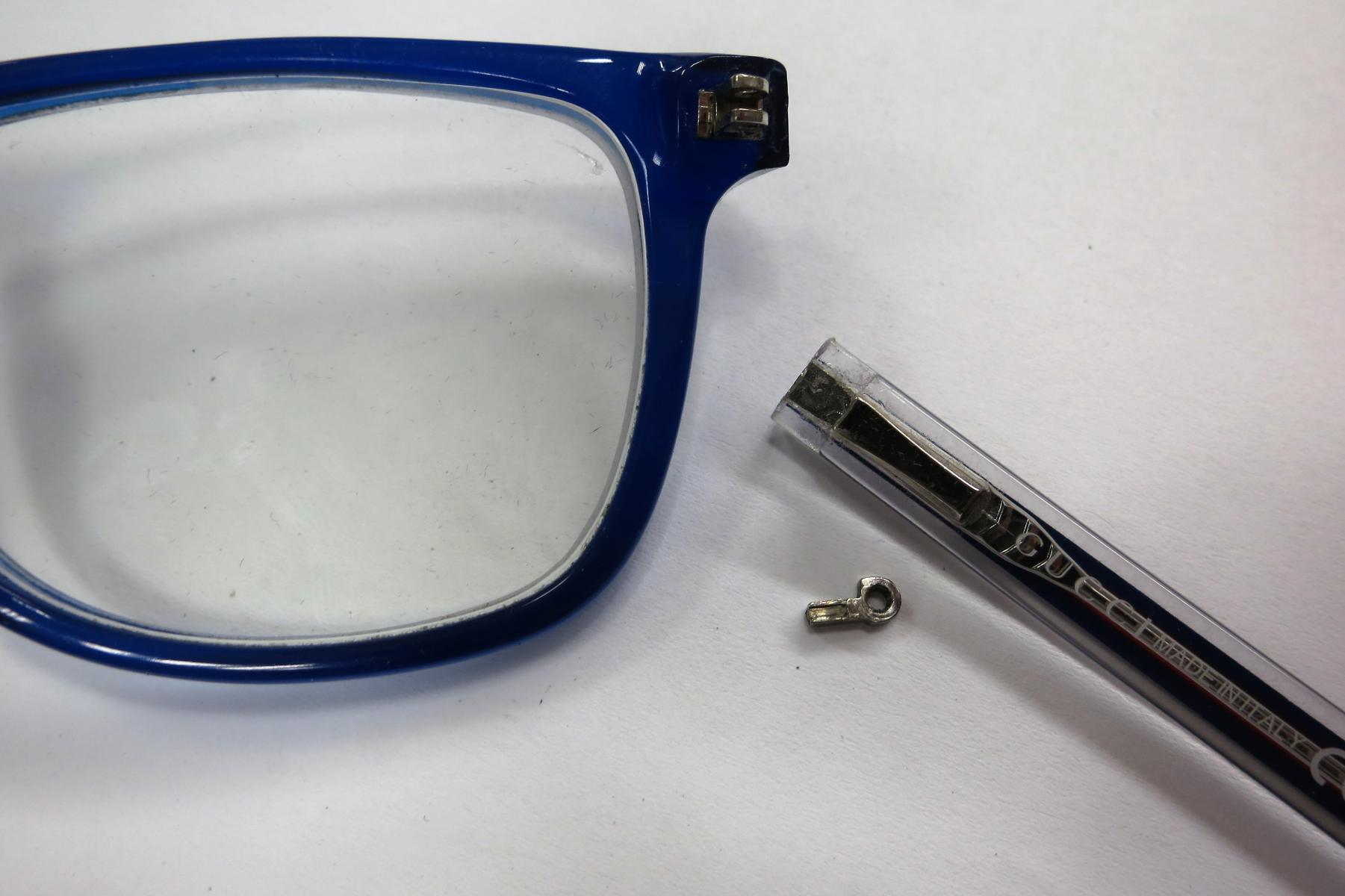 Broken eyeglasses spring hinge - The most frequent repairs