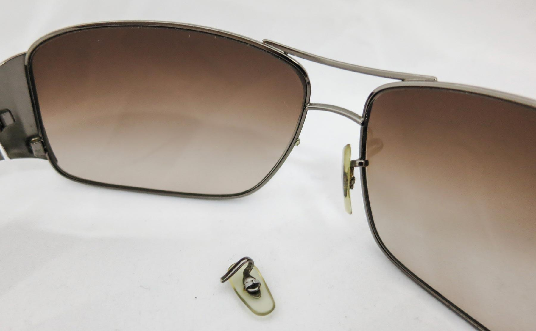 c725f13559 Broken Rayban arm pad - The most frequent repairs